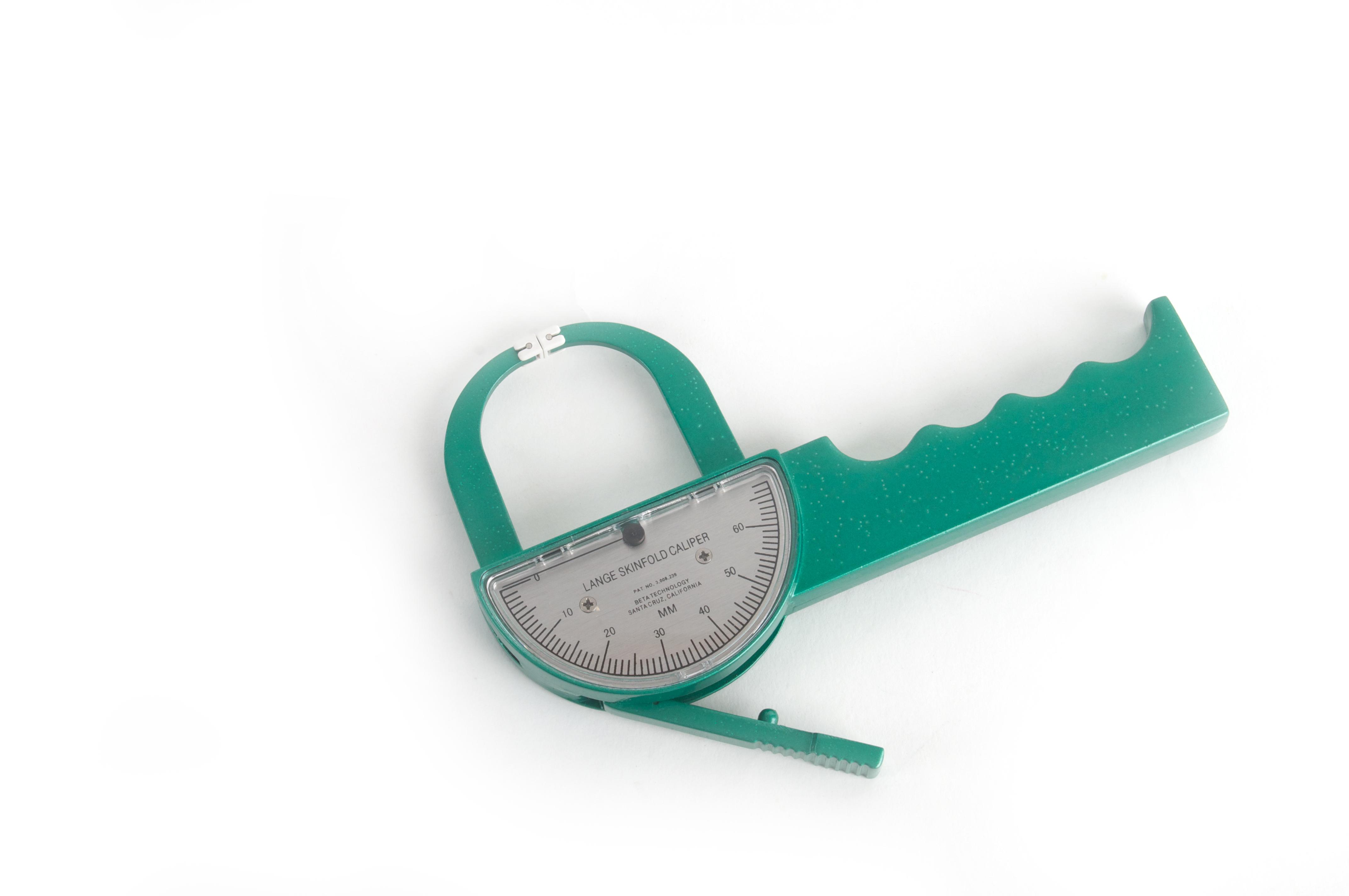 Plicómetro para valoración nutricional LANGE, metálico, incluye estuche y manual.
